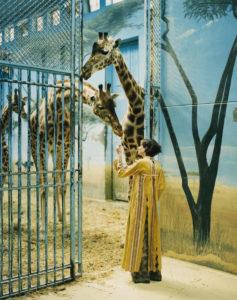 18French Vogue Iris and giraffe