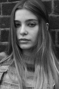 Katie-w_Polaroids_NotAnother_Gina-bw (4 von 21)